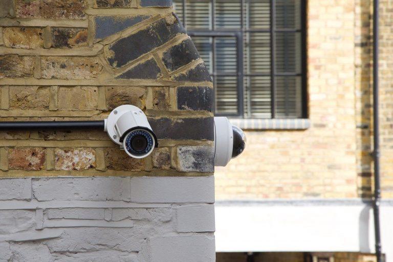 Защо е добра идея да оборудваме дома си с охранителни камери